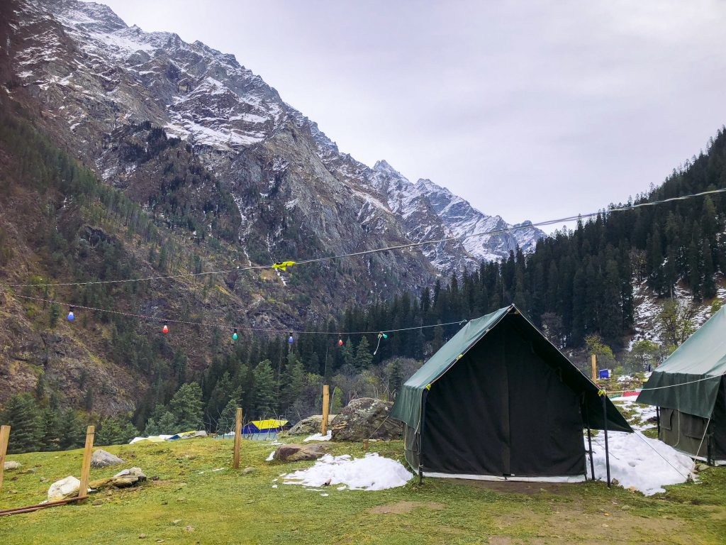 Tent at the kheerganga base